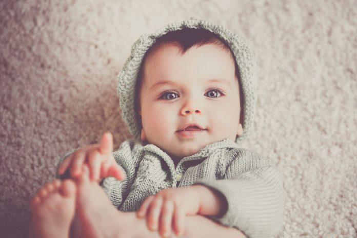 bebelus in crestere